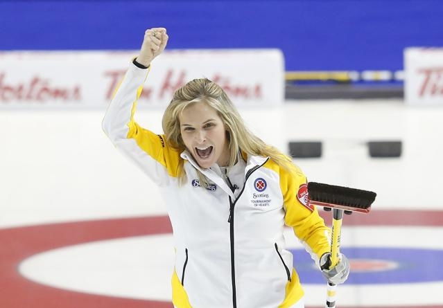 Manitoba skip Jennifer Jones celebrates her gold medal after defeating Alberta during the Scotties Tournament of Hearts in Moose Jaw, Saskatchewan, February 22, 2015. REUTERS/Todd Korol (CANADA - Tags: SPORT CURLING)
