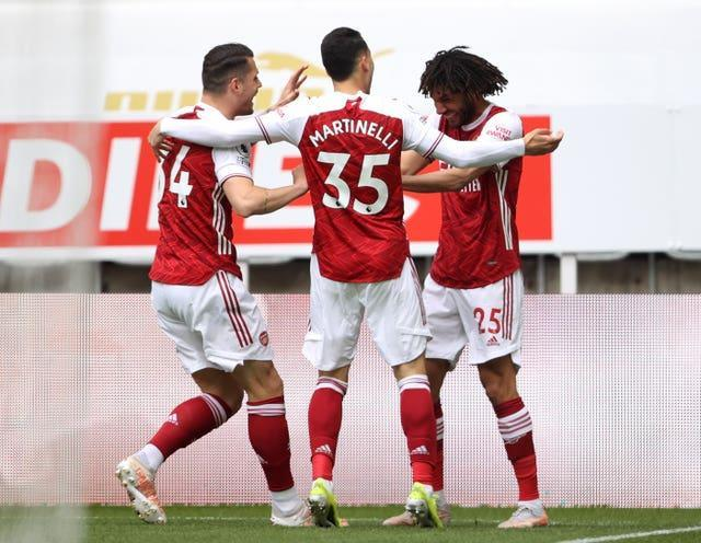 Arsenal eased to victory