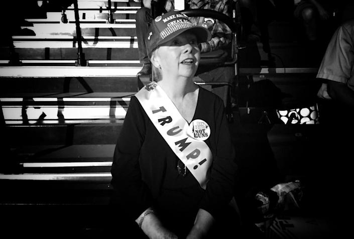 <p>A Trump supporter awaits the candidate at a campaign rally on May 24 in Albuquerque. (Photo: Holly Bailey/Yahoo News) </p>