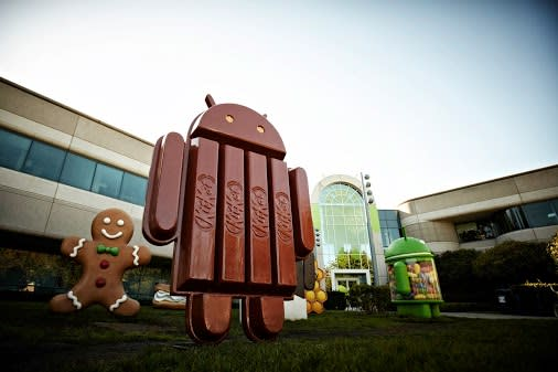 Android Kitkat statue