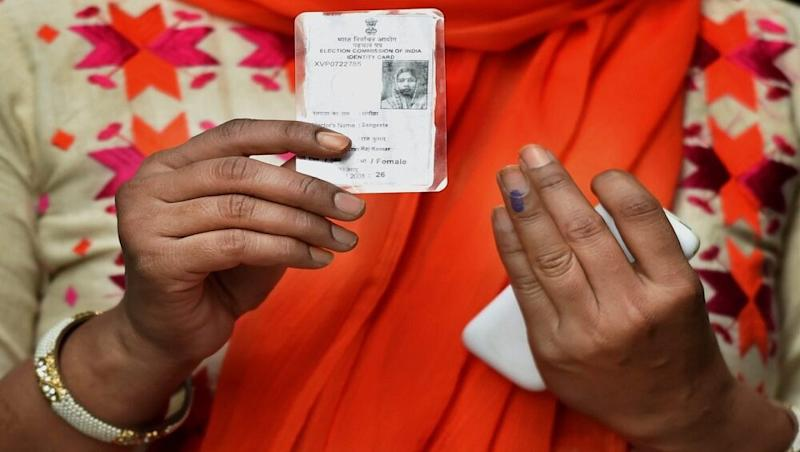 Election Rules Amended, Voters Aged 65+ Or Hit by COVID-19 Allowed to Vote Via Postal Ballot, Move Comes Ahead of Bihar Polls 2020