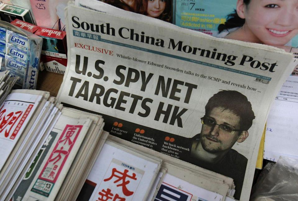 A copy of the South China Morning Post, carrying an interview with Edward Snowden, is displayed on a newspaper stand in Hong Kong on June 13, 2013. (Photo: Bobby Yip/Reuters)