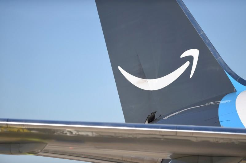 Amazon's rising air shipments fly in the face of climate plan