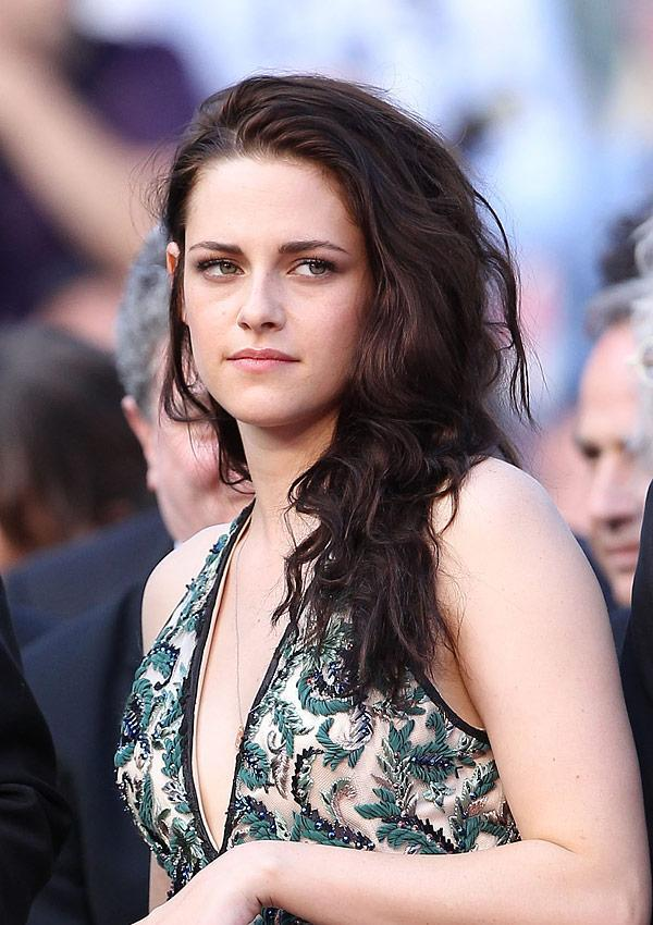 Fans' Fury Grows 3 Days After Kristen Stewart Admits To Cheating
