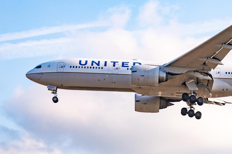 A couple was allegedly kicked off a United Airlines flight after an altercation over boarding passes. (Photo by Nicolas Economou/NurPhoto)