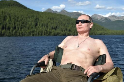 Putin cultivates stongman persona with holiday adventures