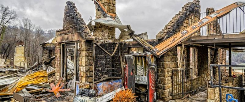 GATLINBURG, TENNESSEE/USA - DECEMBER 14, 2016: Only the shell of a motel office remains after being destroyed by a forest fire in Gatlinburg and the Smoky Mountains in late 2016.