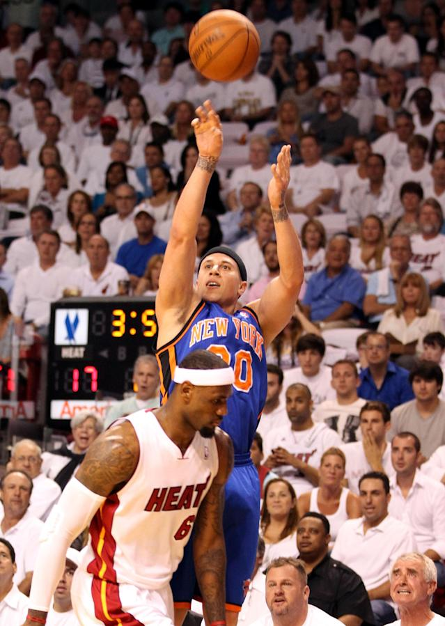Mike Bibby with the New York Knicks. (Getty Images)