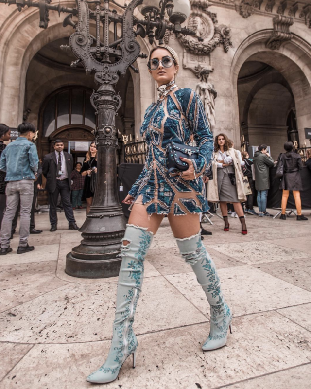 <p>Blogger Micheli Fernandes made quite a statement in this dress and boots combo.<em>[Photo: Micheli_fernandes/ Instagram]</em> </p>