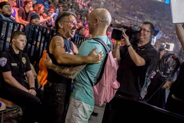 LI Joe and his father embrace at EVO 2016