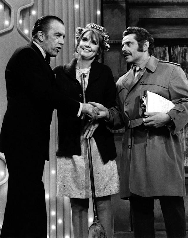 Jerry Stiller and Anne Meara, centre, appear with host Ed Sullivan in May 29, 1970 (Credit: AP Photo/File)