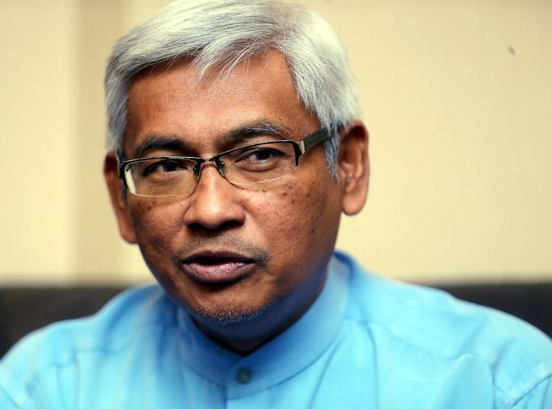 Abdul Aziz said the rejection was expected as Dewan Negara was dominated by BN. ― Picture by Farhan Najib