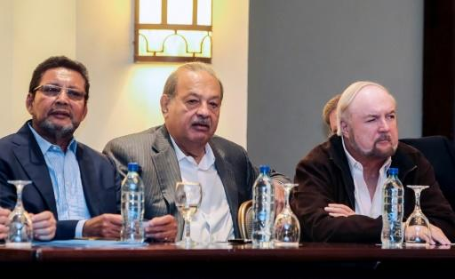 Pellas, seen here on the right with Mexican tycoon Carlos Slim (C), has called for early elections in Nicaragua