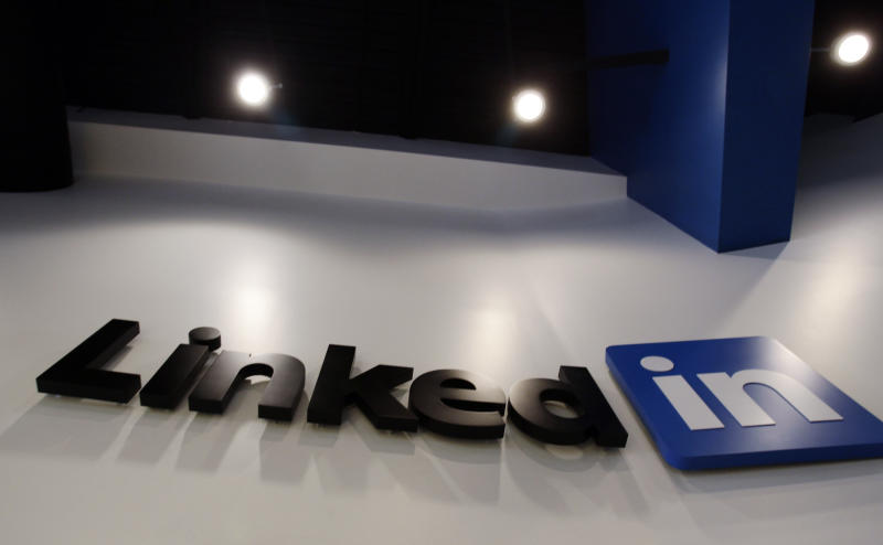 LinkedIn's 4Q eclipsed by disappointing outlook