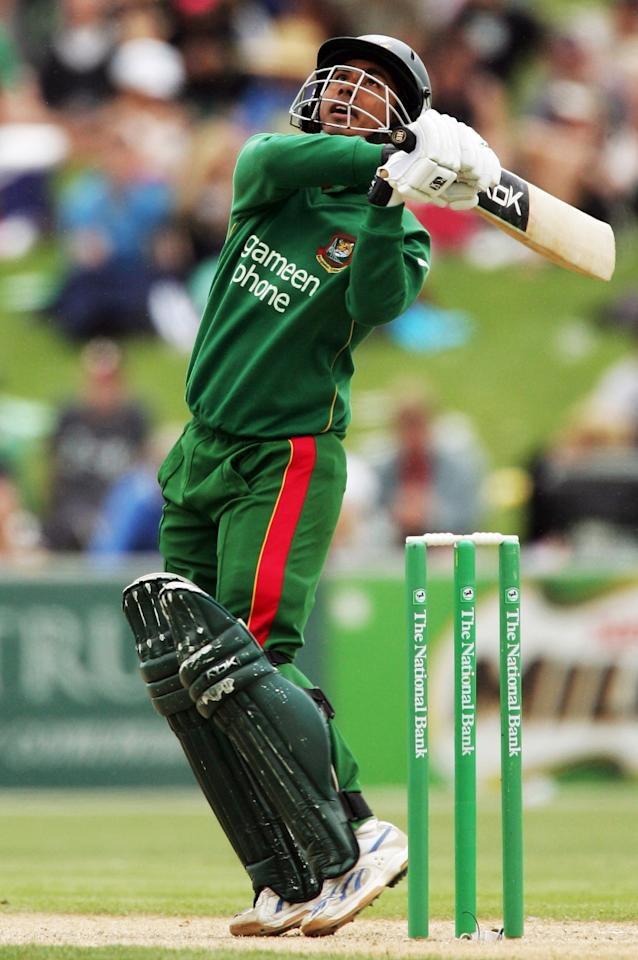NAPIER, NEW ZEALAND - DECEMBER 28: Mohammad Ashraful of Bangladesh bats during the second one day international match between New Zealand and Bangladesh held at McLean Park December 28, 2007 in Napier, New Zealand.  (Photo by Phil Walter/Getty Images)