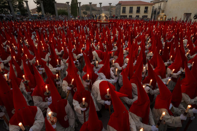 "<p>Penitents from Real Cofradia del Santisimo Cristo de las Injurias, also known as ""El Silencio"" brotherhood, take part in a procession in Zamora, Spain, on April 12, 2017. (Photo: Daniel Ochoa de Olza/AP) </p>"