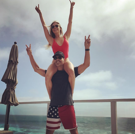 "<p>The singer found that the best perch for her enthusiastic Fourth of July viewing was on hubby Eddie Cibrian's shoulders. They were even color coordinated. (Photo: <a href=""https://www.instagram.com/p/BWJLFwYBxEr/?taken-by=leannrimes&hl=en"" rel=""nofollow noopener"" target=""_blank"" data-ylk=""slk:Leann Rimes via Instagram"" class=""link rapid-noclick-resp"">Leann Rimes via Instagram</a>) </p>"