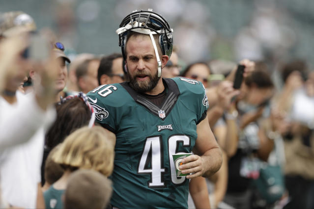 Eleven-year Eagles veteran Jon Dorenbos will receive a Super Bowl ring after a heart condition cut his career short. (AP)