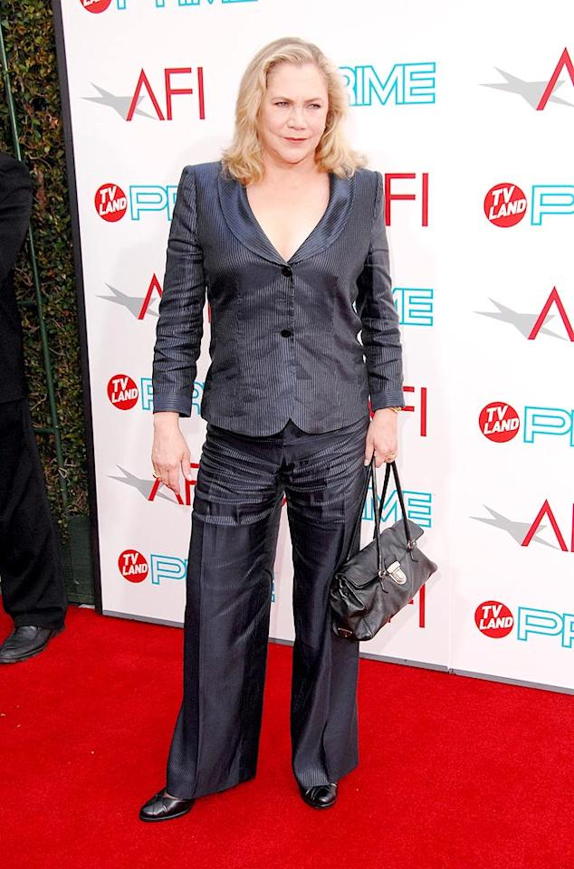 "<a href=""http://movies.yahoo.com/movie/contributor/1800012505"">Kathleen Turner</a> at the 37th Annual AFI Lifetime Achievement Awards - 6/11/2009"