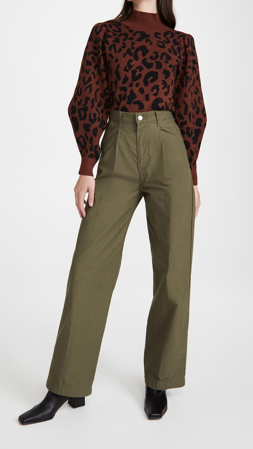 <p>The green shade of these <span>Levi's Pleated High Loose Pants</span> ($98) is perfect for fall.</p>