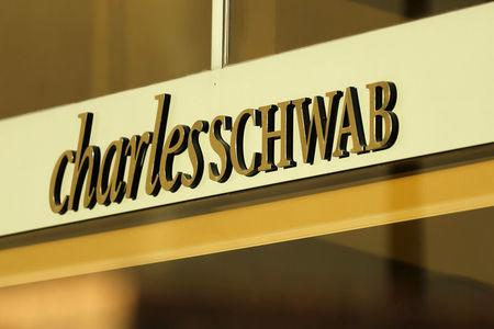 FILE PHOTO: A Charles Schwab office is shown in Los Angeles, California January 29, 2016. REUTERS/Mike Blake/File Photo