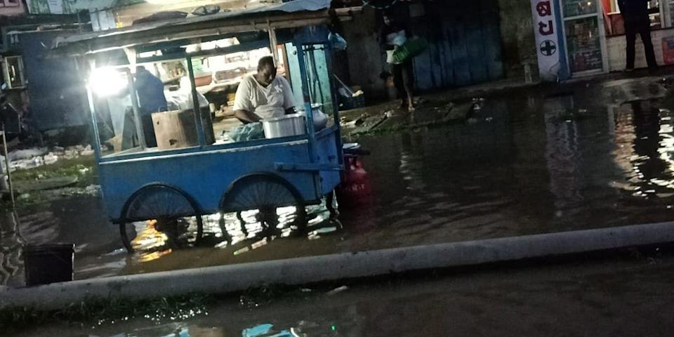 """<div class=""""paragraphs""""><p>Stall owners and vendors struggle due to waterlogging. </p></div>"""