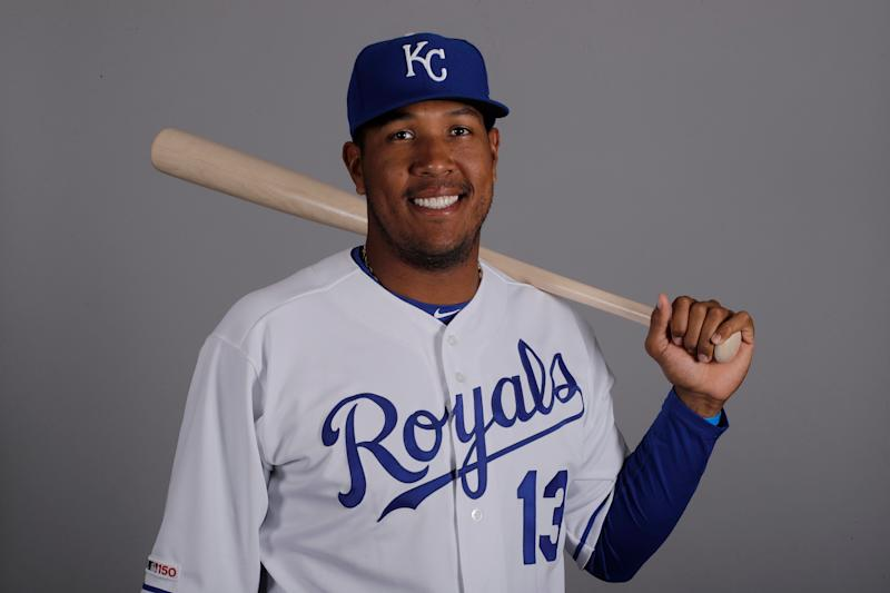 Royals catcher Salvador Perez benched after suffering elbow injury