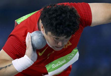 2016 Rio Olympics - Athletics - Final - Women's Shot Put Final - Olympic Stadium - Rio de Janeiro, Brazil - 12/08/2016. Gong Lijiao (CHN) of China competes. REUTERS/Kai Pfaffenbach Picture Supplied by Action Images