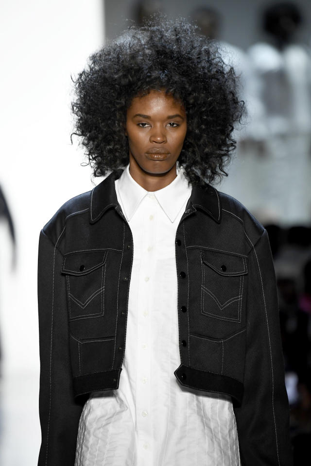 <p>These big-barrel curls are absolutely everything! (Photo: Getty Images) </p>