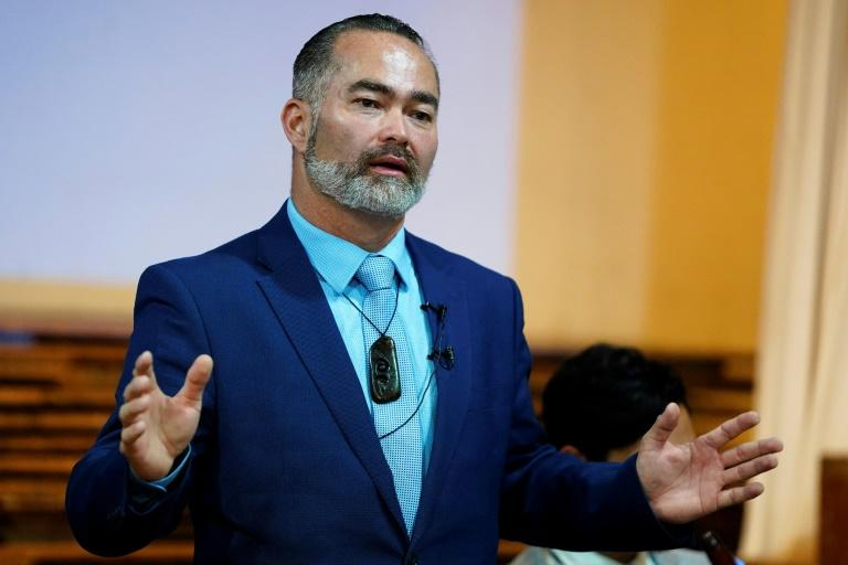 Conspiracy-driven bluesman bombs in New Zealand election