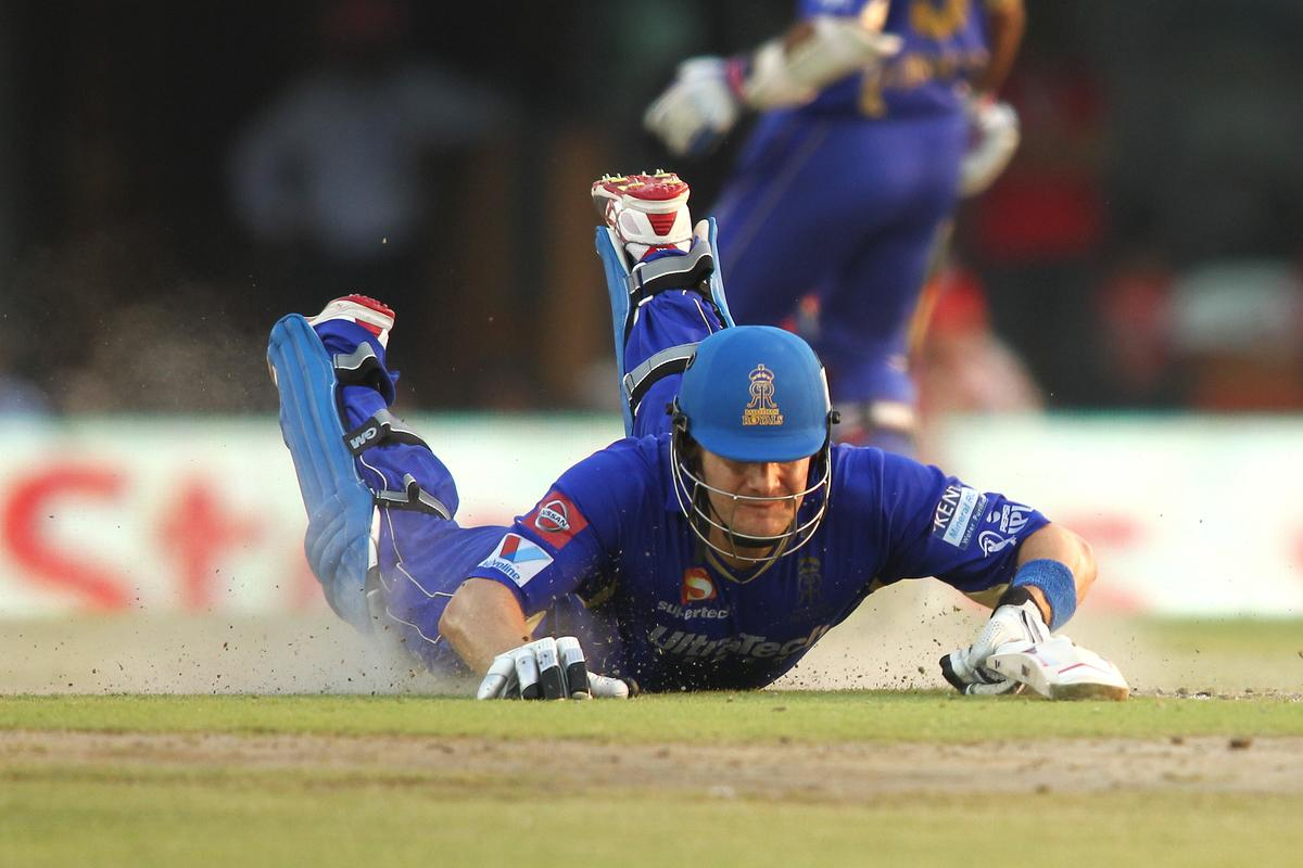 Shane Watson of Rajasthan Royals dives in to make his ground during match 55 of of the Pepsi Indian Premier League between The Kings XI Punjab and the Rajasthan Royals held at the PCA Stadium, Mohali, India on the 9th May 2013..Photo by Shaun Roy-IPL-SPORTZPICS  ..Use of this image is subject to the terms and conditions as outlined by the BCCI. These terms can be found by following this link:..https://ec.yimg.com/ec?url=http%3a%2f%2fwww.sportzpics.co.za%2fimage%2fI0000SoRagM2cIEc&t=1506275405&sig=UwN6UmvjotFqDt4UKPVYEg--~D