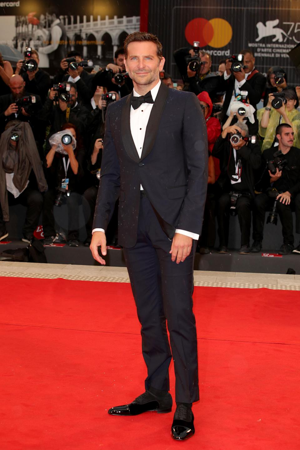 <p>Slick in a tux, Bradley showed off his sartorial prowess in Gucci. <em>[Photo: Getty]</em> </p>