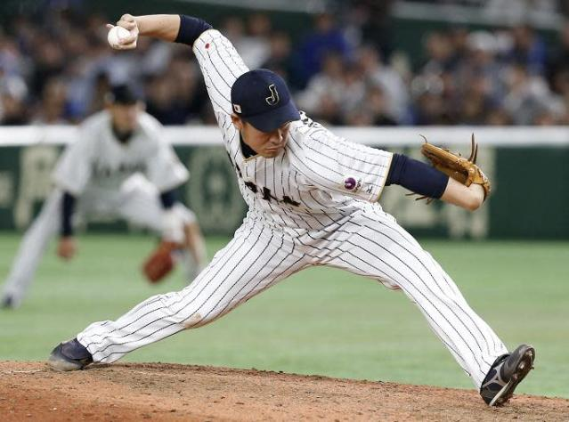 "Submarine pitcher Kazuhisa Makita is poised to join the <a class=""link rapid-noclick-resp"" href=""/mlb/teams/sdg/"" data-ylk=""slk:San Diego Padres"">San Diego Padres</a>. (AP)"