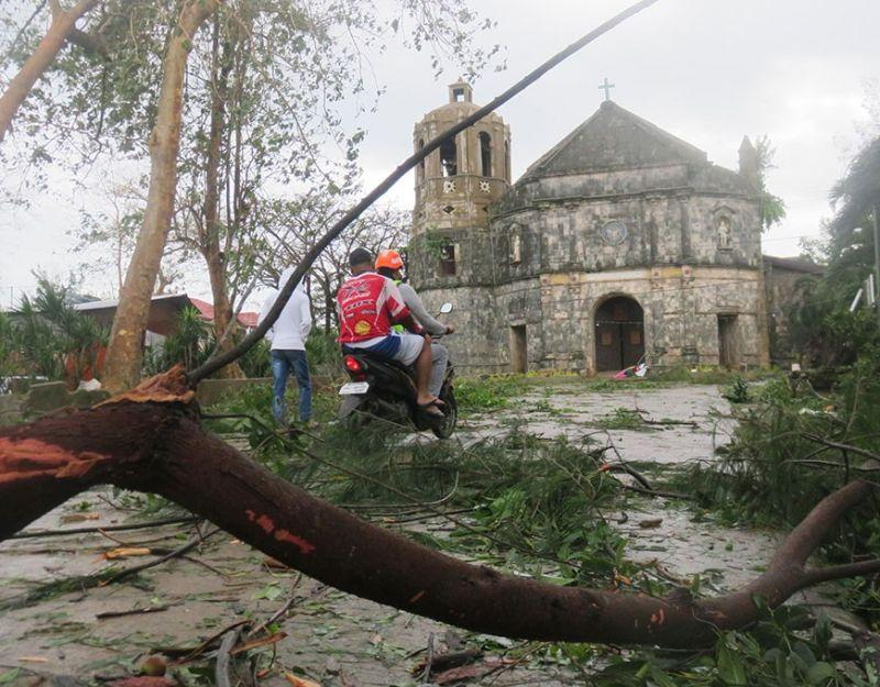 Typhoon claims 1 life; 2 towns declare 'state of calamity'