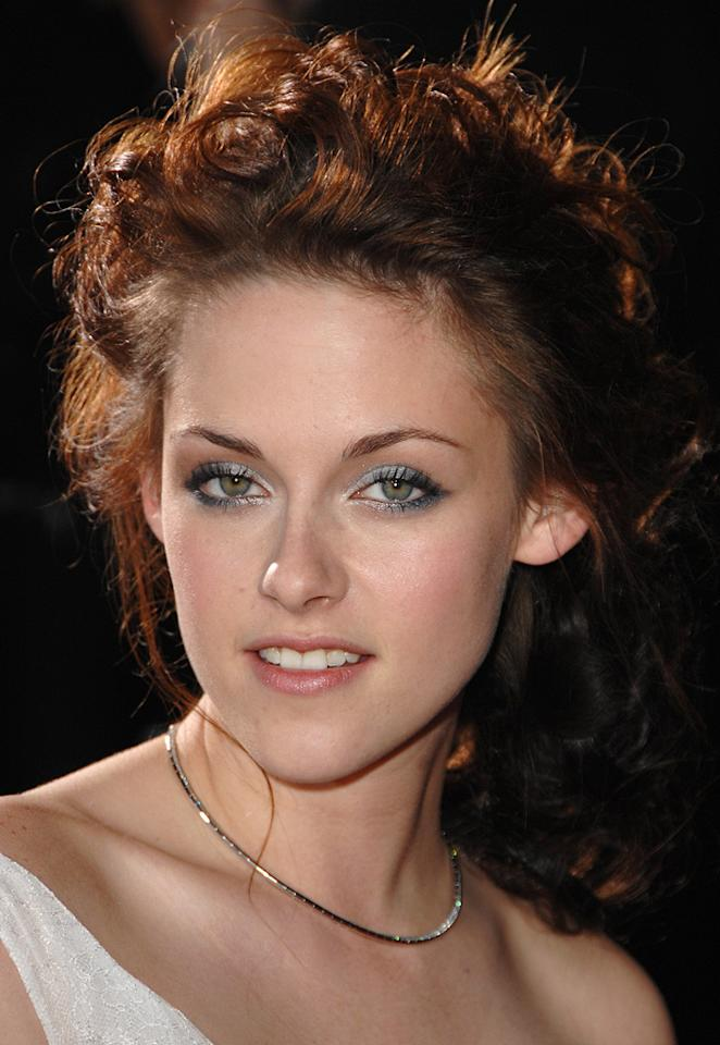 """<a href=""""http://movies.yahoo.com/movie/contributor/1807776250"""">Kristen Stewart</a> at the Westwood premiere of <a href=""""http://movies.yahoo.com/movie/1810010670/info"""">Twilight</a> - 11/17/2008"""