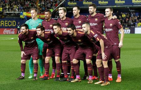 Soccer Football - La Liga Santander - Villarreal vs FC Barcelona - Estadio de la Ceramica, Villarreal, Spain - December 10, 2017 Barcelona team group before the match REUTERS/Heino Kalis