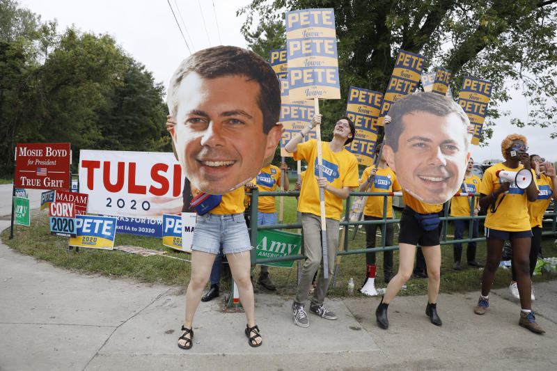 Supporters for Democratic presidential candidate Pete Buttigieg hold a rally during the Polk County Democrats Steak Fry on Sept. 21 in Des Moines, Iowa. (Photo: Charlie Neibergall/AP)