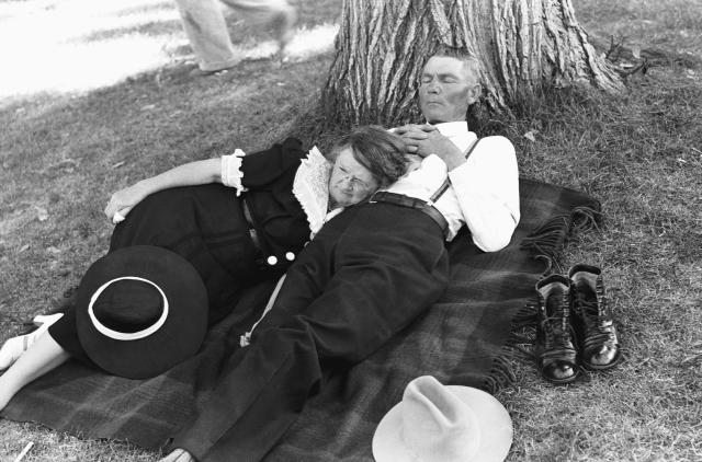 <p>Napping after an Independence Day parade, Vale, Ore., 1941. (Photo: Corbis via Getty Images) </p>