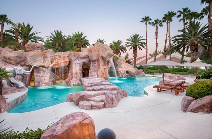 """<p>Primm Ranch, which is more like a private resort than a single family private residence, was once sought after by Michael Jackson, who wanted to call it """"Wonderland"""" to go with his Santa Barbara Neverland. (All photos via <a href=""""http://bit.ly/1OjQdjg"""" rel=""""nofollow noopener"""" target=""""_blank"""" data-ylk=""""slk:Concierge Auctions listing"""" class=""""link rapid-noclick-resp"""">Concierge Auctions listing</a>)<br></p>"""