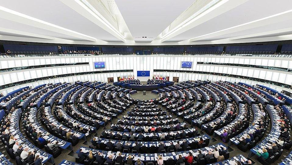 歐洲議會(圖片來源:wikipedia,European Parliament Strasbourg Hemicycle - Diliff.jpg)