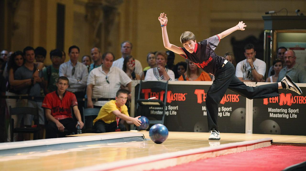 Kamron Doyle bowls during the 2012 Teen Masters Bowling Championship in Grand Central Terminal on August 7, 2012 in New York City. (Photo by Mario Tama/Getty Images)