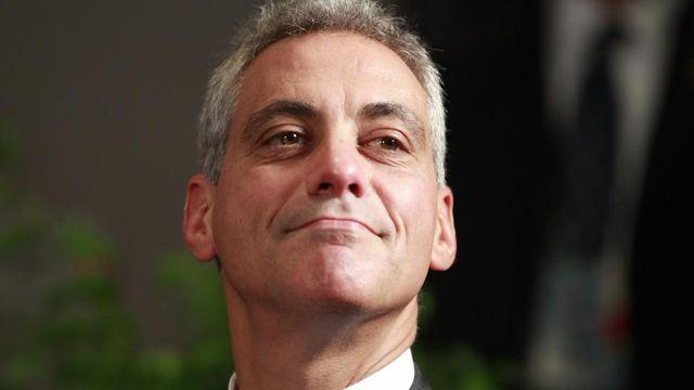 Chicago mayor asks banks to pressure gun makers