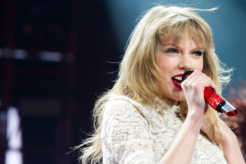 Planning A Trip To London? Here's Every Location Taylor Swift Describes In 'London Boy'