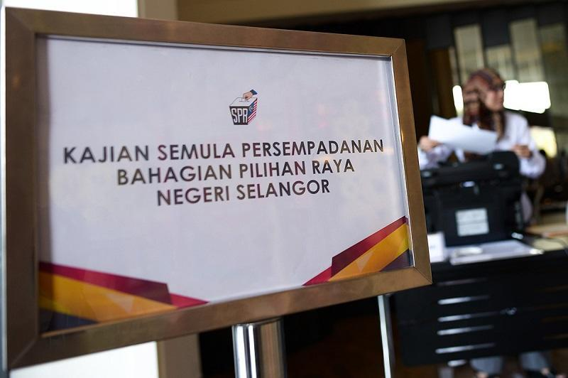 Selangor, which has consistently been an Opposition stronghold, has among the highest voter to representative ratio with an average electoral count of around 110,000 voters spread across 22 constituencies in the state. — Picture by Mukhriz Hazim