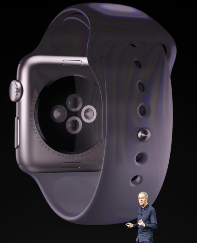 <p>While more technology has been put in the Series 3, the latest Apple Watch increased very minimally in thickness, about the same as two sheets of paper. REUTERS/Stephen Lam </p>