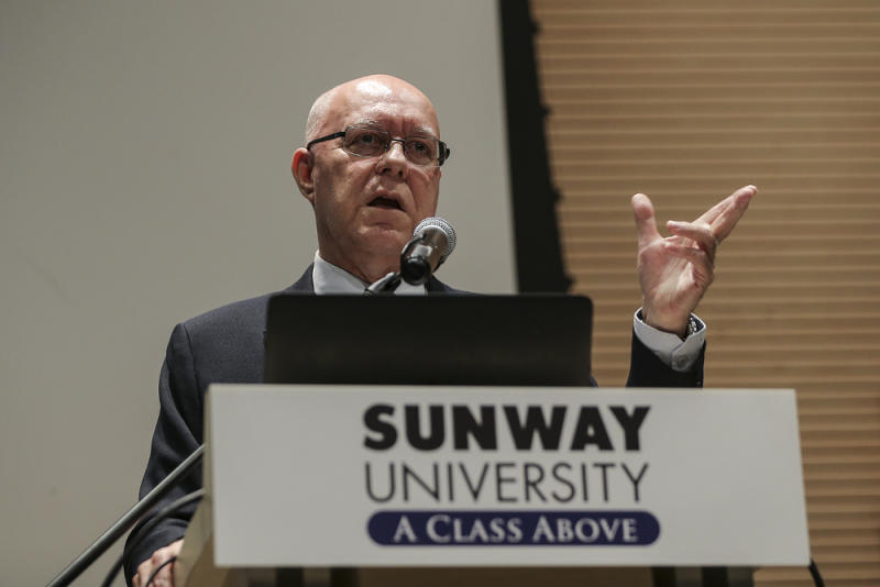 Professor Andrew Harding speaks during 'Prospects for Malaysia Baru' lecture at Sunway University September 3, 2018. — Picture by Azneal Ishak