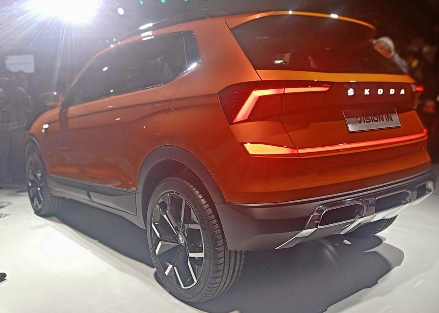 The design is very aggressive with a large grille and sharp styling with big wheel-arches. The concept is includes 19 inch wheels, but for India this would be toned down. A lot of crystalline elements have been used in the design. At 4.26m it is arguably the perfect size for the Indian market.