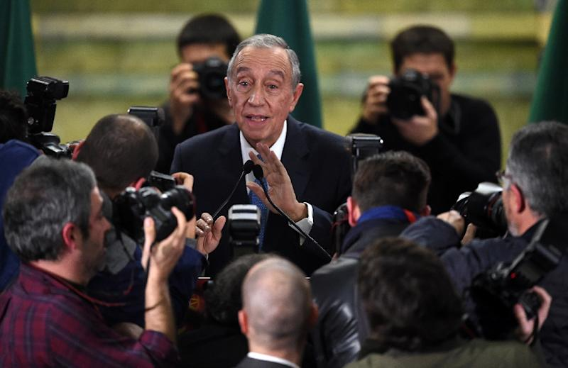 Marcelo Rebelo de Sousa addresses journalists after winning the presidencial election in Lisbon, Portugal on January 24, 2016 (AFP Photo/Francisco Leong)