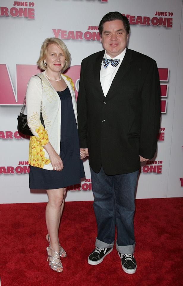 """<a href=""""http://movies.yahoo.com/movie/contributor/1800019553"""">Oliver Platt</a> and guest at the New York premiere of <a href=""""http://movies.yahoo.com/movie/1809981033/info"""">Year One</a> - 06/15/2009"""