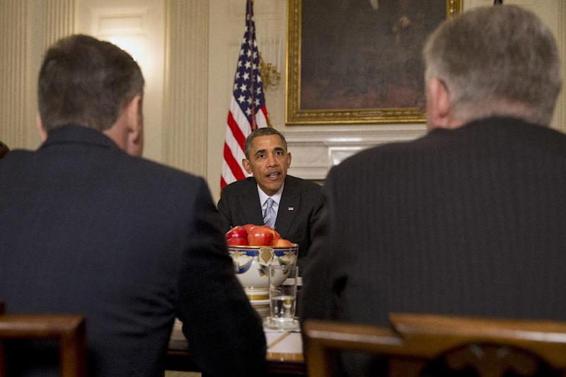 President Barack Obama meets with members of the Democratic Governors Association, Friday, Feb. 21, 2014, in the State Dining Room of the White House in Washington. The National Governors Association 2014 Winter Meeting starts Friday. (AP Photo/Jacquelyn Martin)